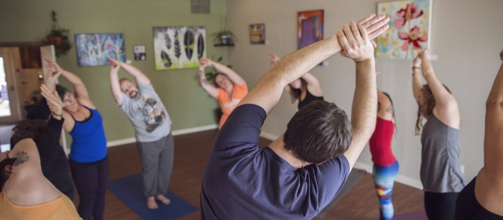 holistic-yoga-school